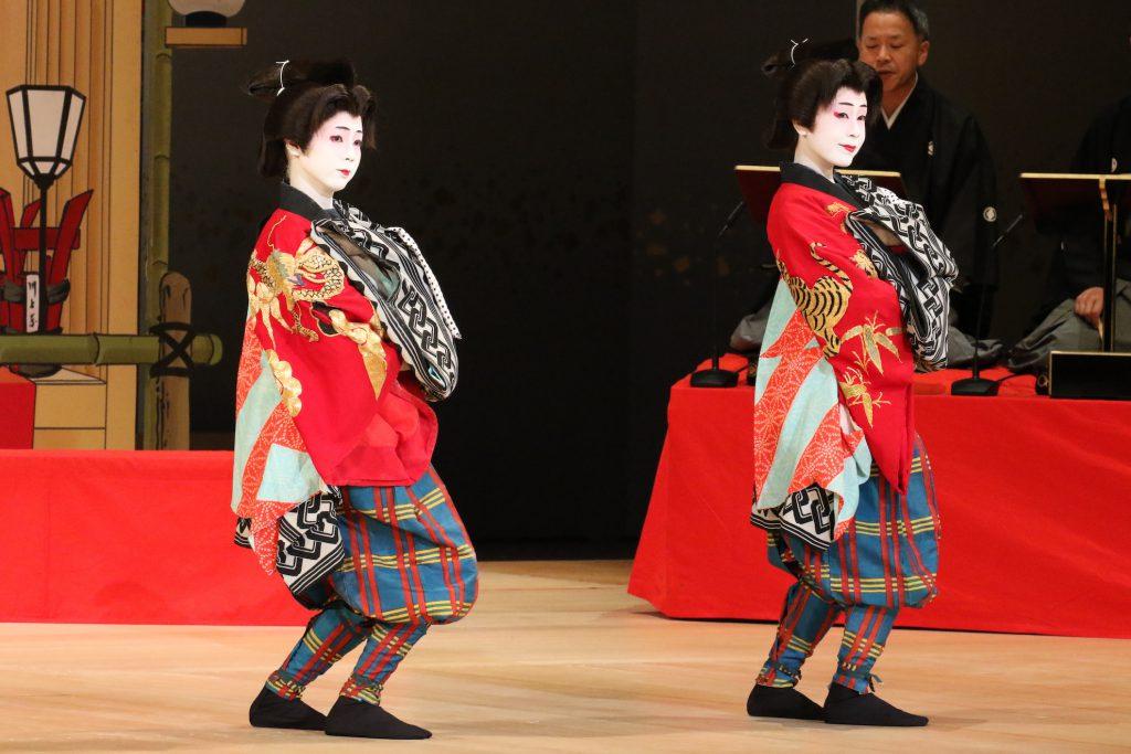 名古屋をどり舞台写真 女性2人